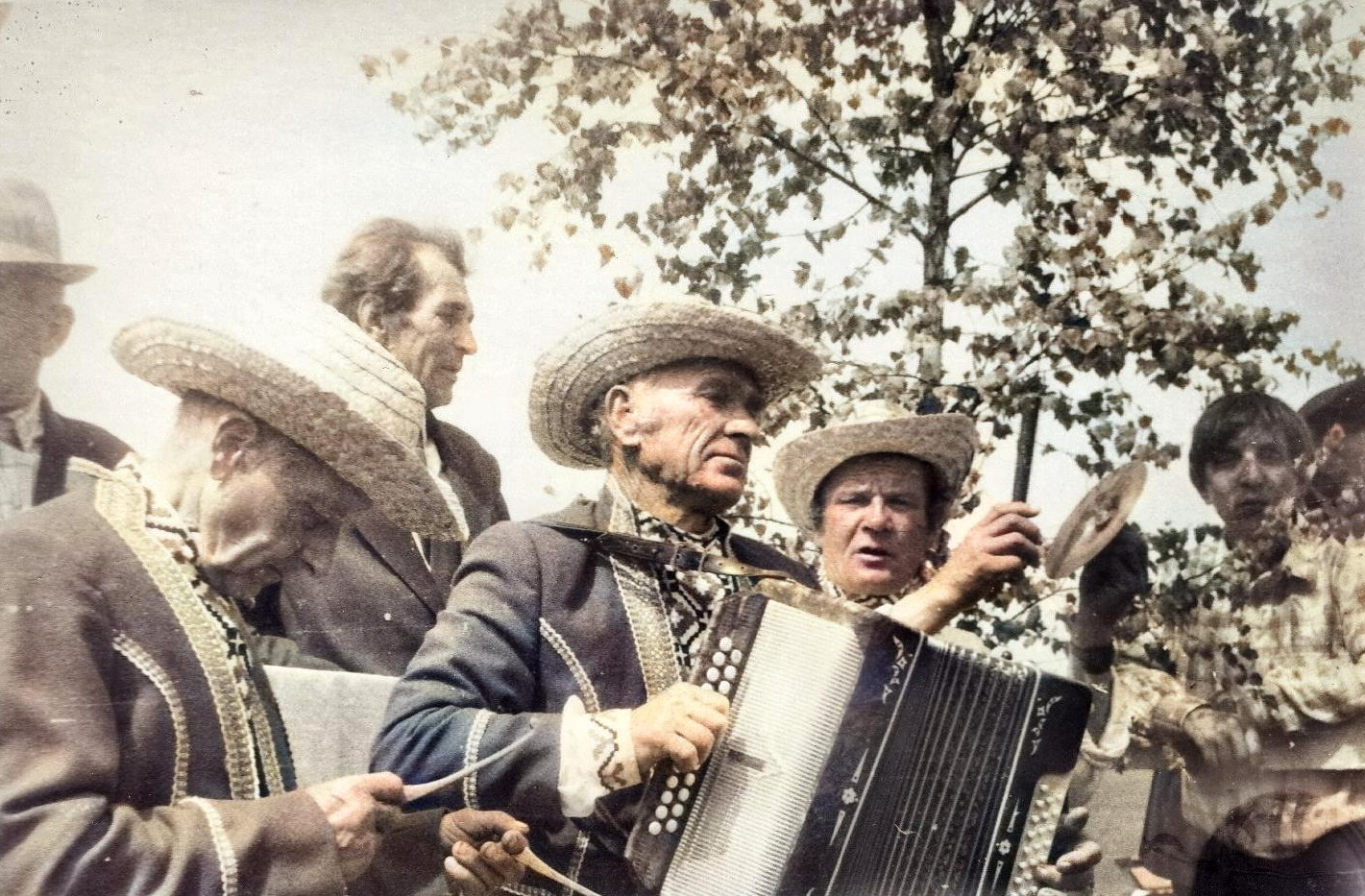 Кушлянская капэла ў поўным складзе: Браніслаў Дэбесь (злева), Сцяпан Піменаў, Генрых Бярнат